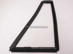 Zvětšit fotografii - Rám vyklápěcího okna dveří Škoda 1203 levý